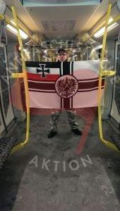 Andreas K in der U-Bahn